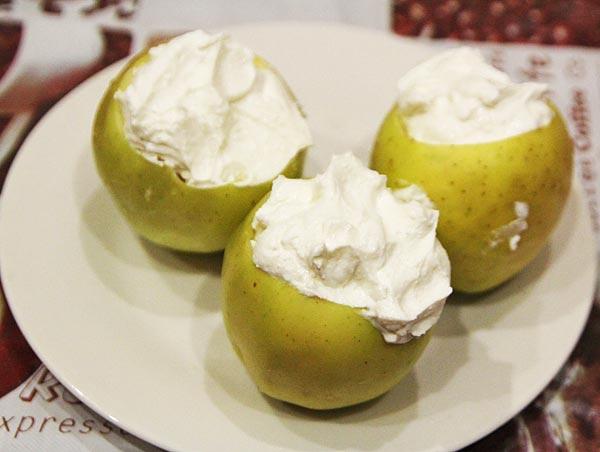 Фаршируем яблоки творогом
