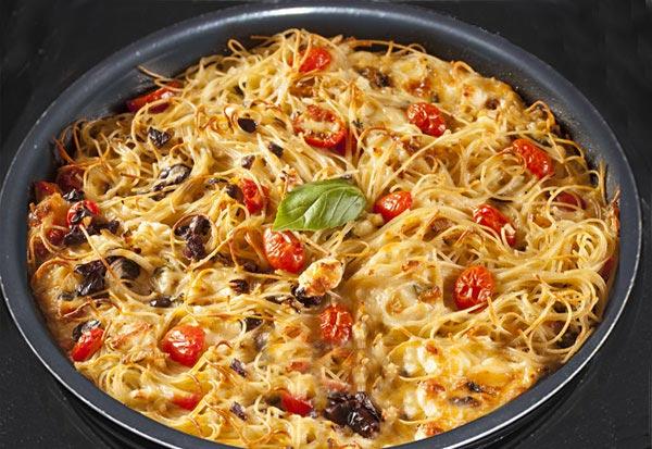 Готовим запеканку из макарон со сливочным соусом и мясом в духовке