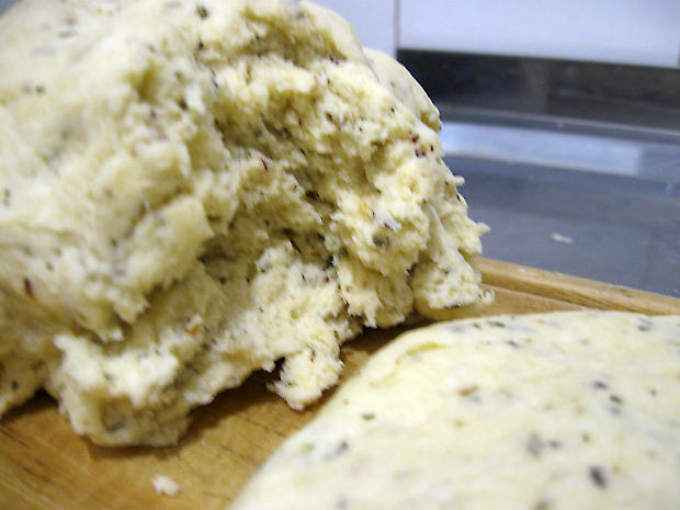 Замешиваем творожное тесто для печенья