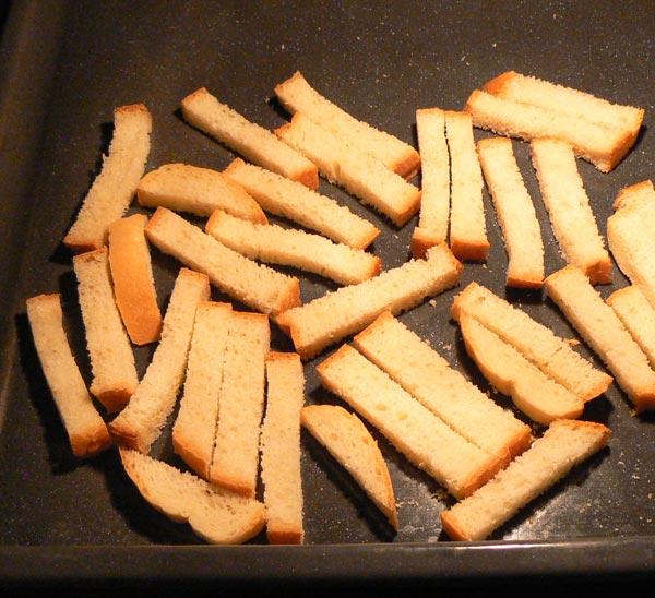 Отправляем противень с хлебом в духовку