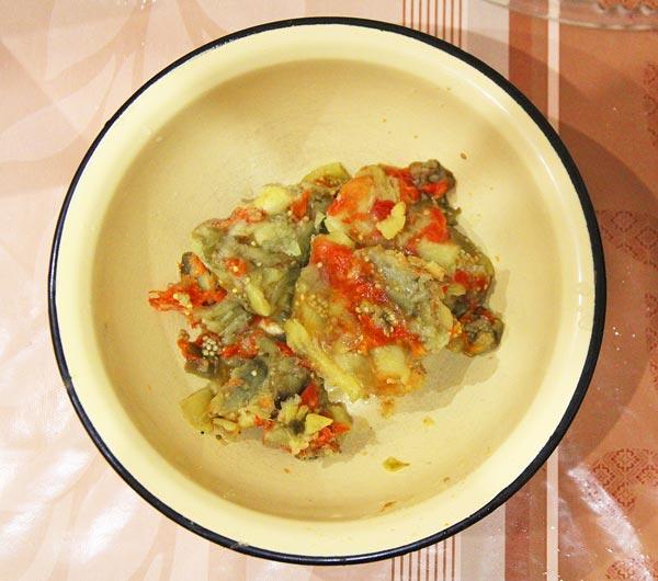 Заготовка из баклажан, помидор и сладкого перца