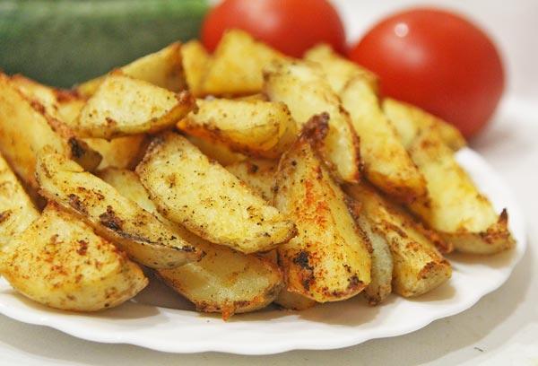 Запеченный молодой картофель в духовке готов