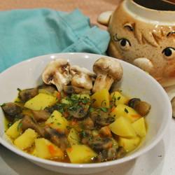 Грибы с картошкой в горшочках